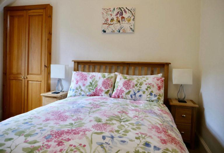 Bedroom1Pink2